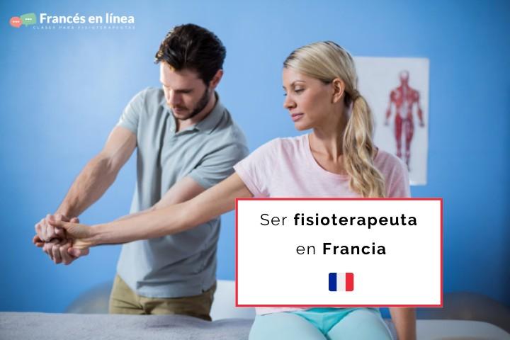 Un fisioterapeuta está estirando la mano de su paciente
